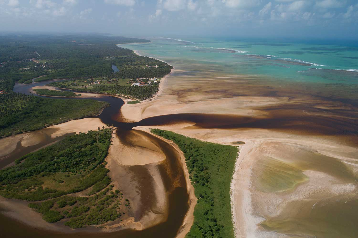 The mouth of Tatuamunha river.